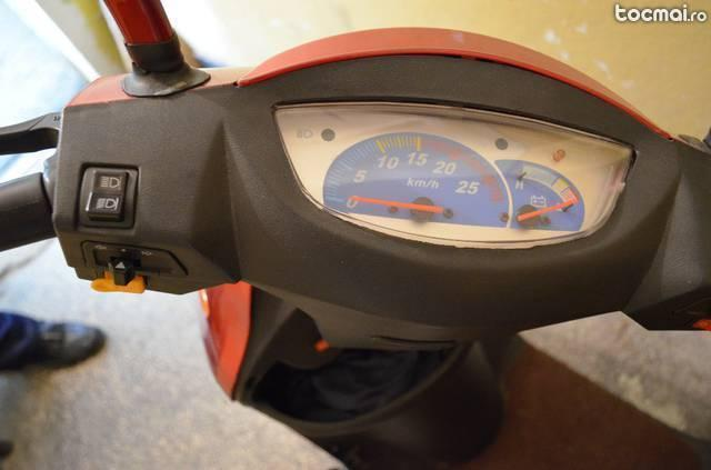 Scuter Electric Brick7 Motocicleta