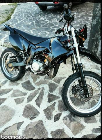 Malaguti xms 50, 2005 variante cross model padure.